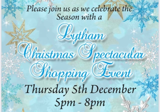 Late night Christmas Shopping in Lytham
